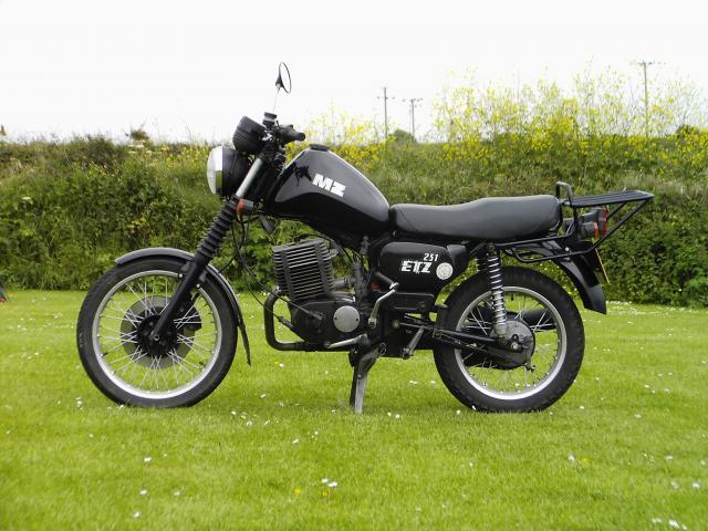 MZ  ETZ  251, reg .no. H685 BMC