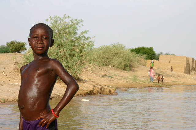 strike a pose, river niger