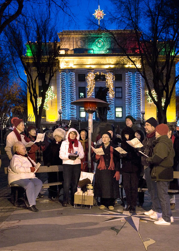 05-12 Carolers at Courthouse.jpg