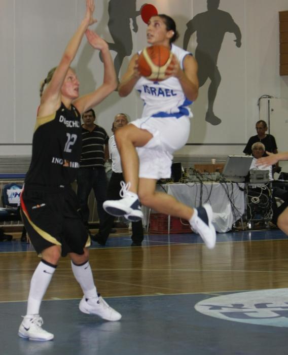 Liron Cohen takes off