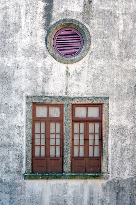 Twin windows with a supervisor...