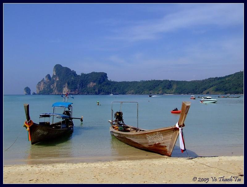 Boats in Lohdalum bay