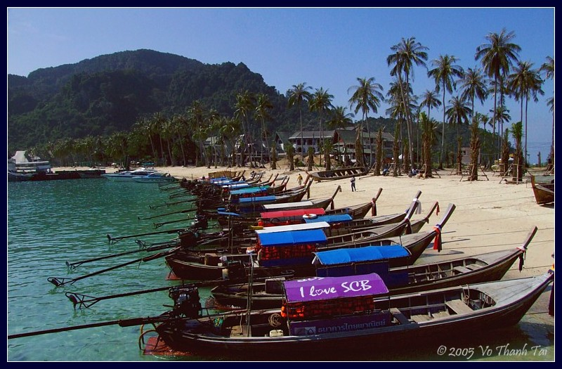 Boats at Ton Sai beach