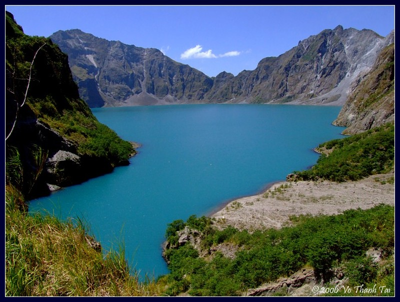 Pinatubos crater lake and the crater rim