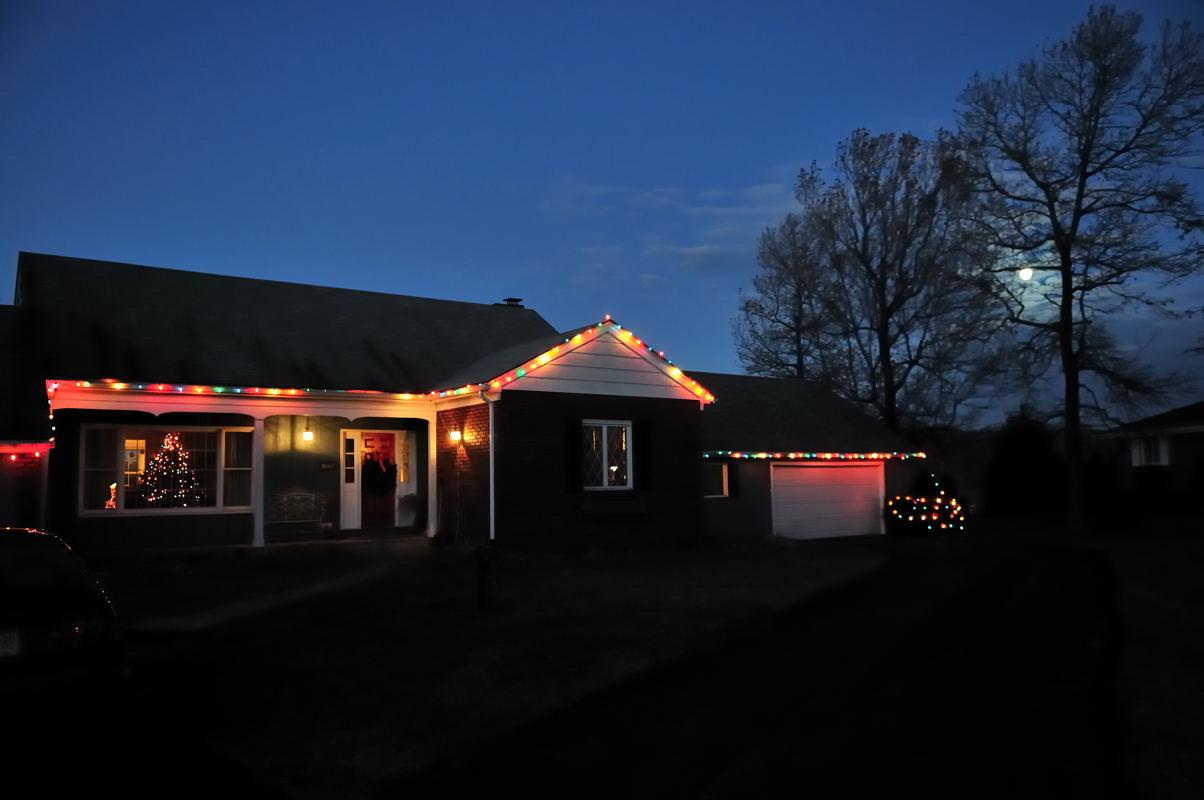 pbase House and Moon December 24 DSC_2235.jpg