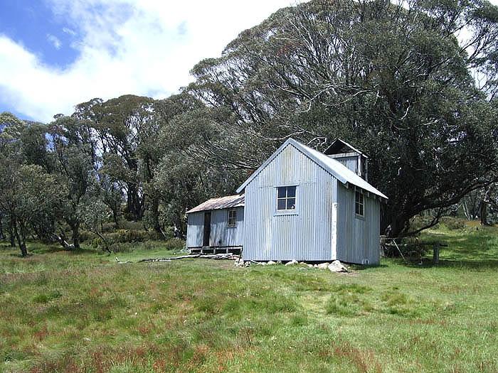 Tawonga Hut