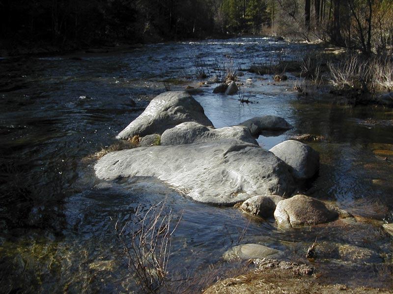rock-in-Merced-river