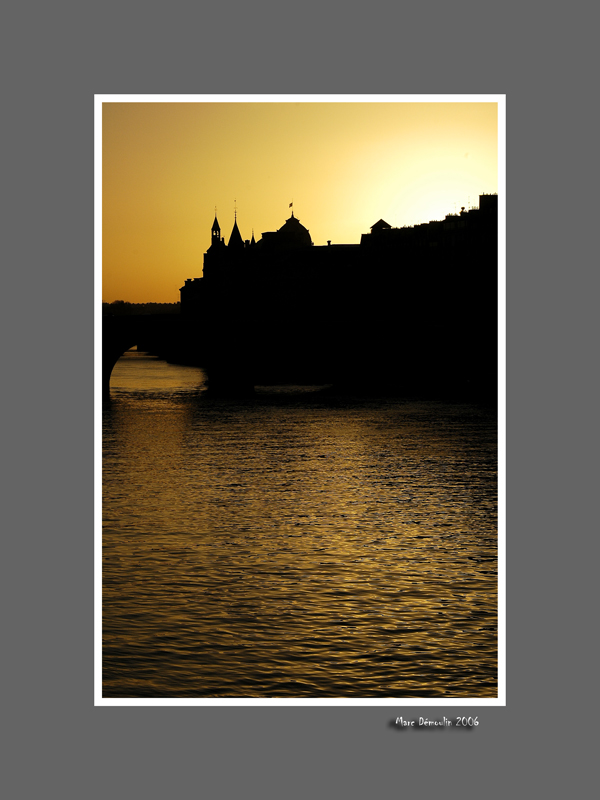 Conciergerie at dawn
