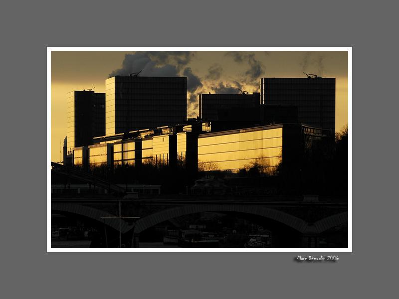Tres Grande Bibliotheque at dawn