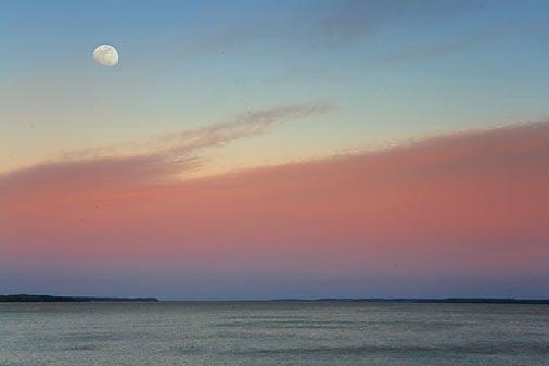 Moon Over Grenada Lake 47242