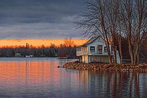 Lakeside Cottage At Sunrise 20101118