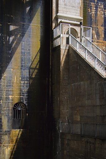 Lift Lock Rear Wall
