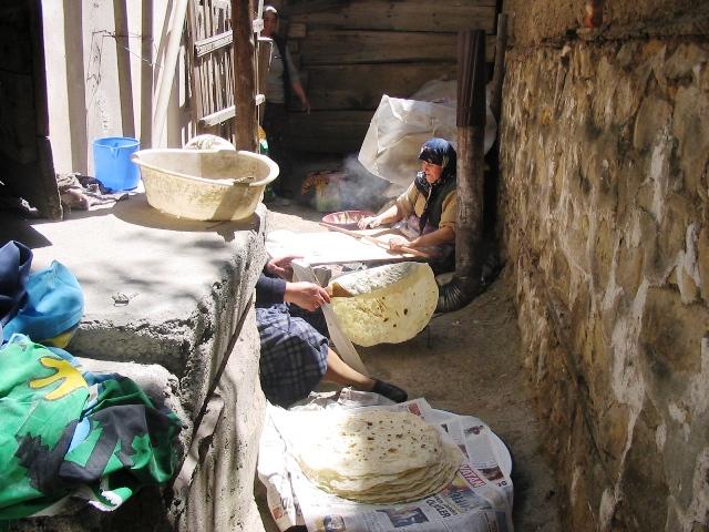 Making etli ekmek