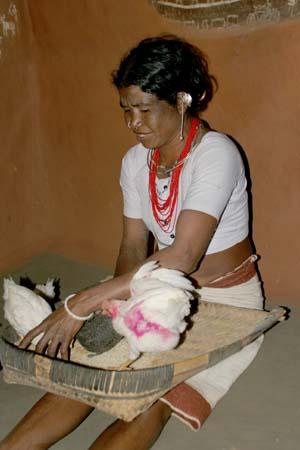 Saora, female shaman