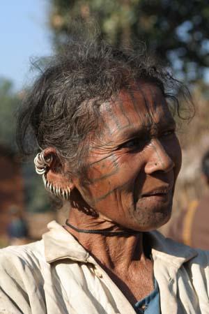 piercings and tattoos of Desia Kondh