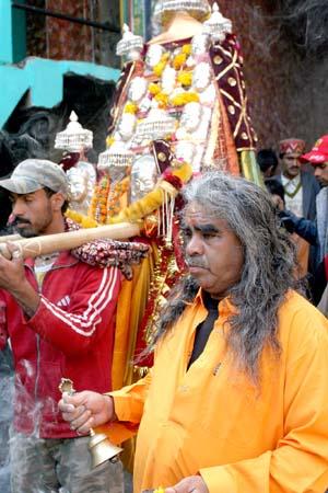 Kullu Dussehra, Priest With Local God