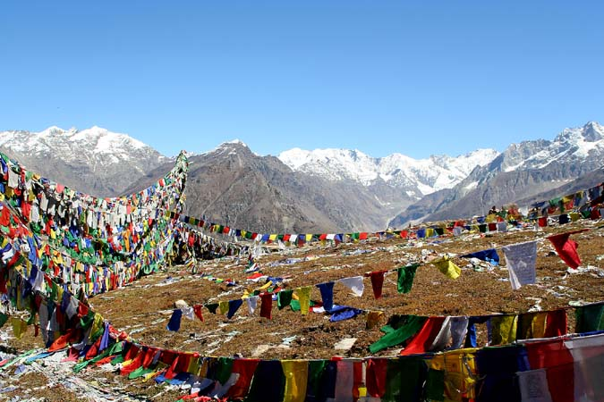 Prayer flags on Rothang Pass