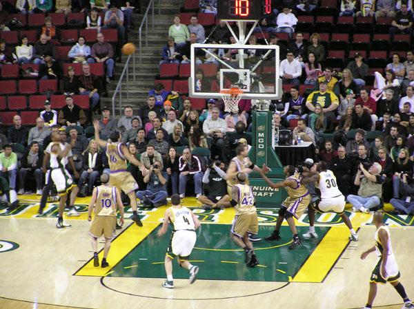 Seattle Supersonics vs Sacramento Kings