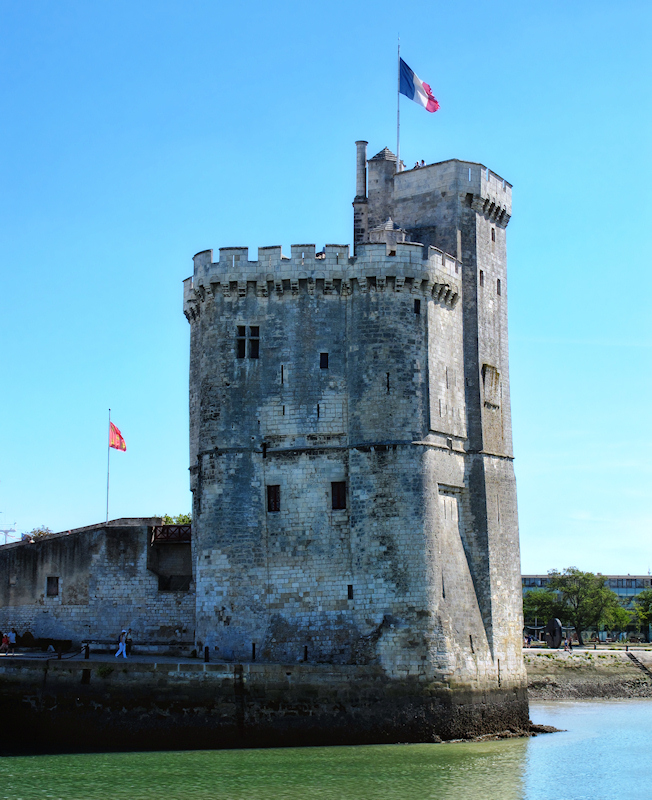 St. Nicolas Tower at low tide