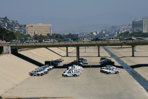 3893 Border Patrol in TJ.jpg