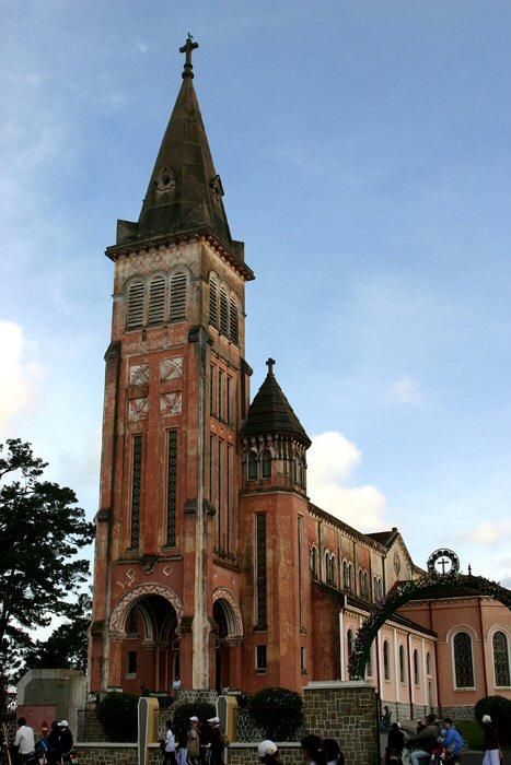 Da Lat-Nha Tho Con Ga-Cathedral