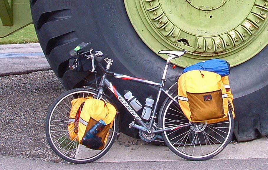 036  Andrew - Touring through Canada - Giant OCR Touring touring bike