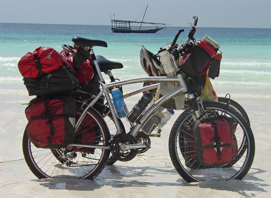 048  Pat & Cat - Touring through Zanzibar - Landrider Elite touring bike