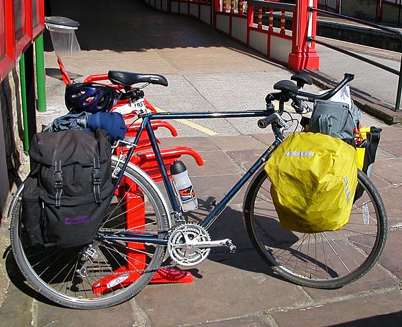 053  Jake - Touring Scotland - Claud Butler Dalesman touring bike