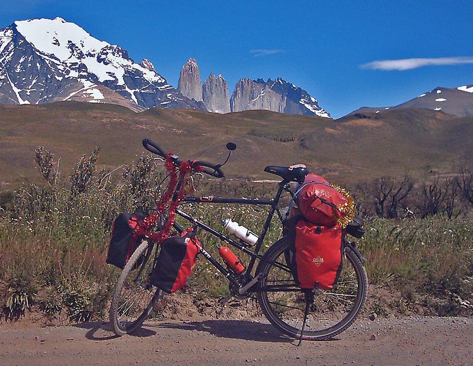 055  Lars - Touring through Chile - Carpenter Daiton touring bike