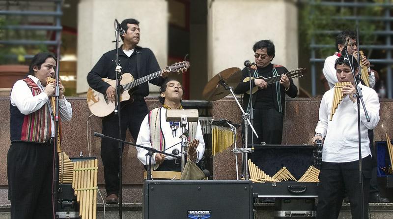 03 19 05 Band Andeanfusion ,San Antonio Riverwalk, A1.jpg