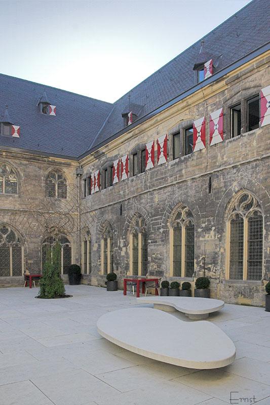 Kruisherenhotel, courtyard