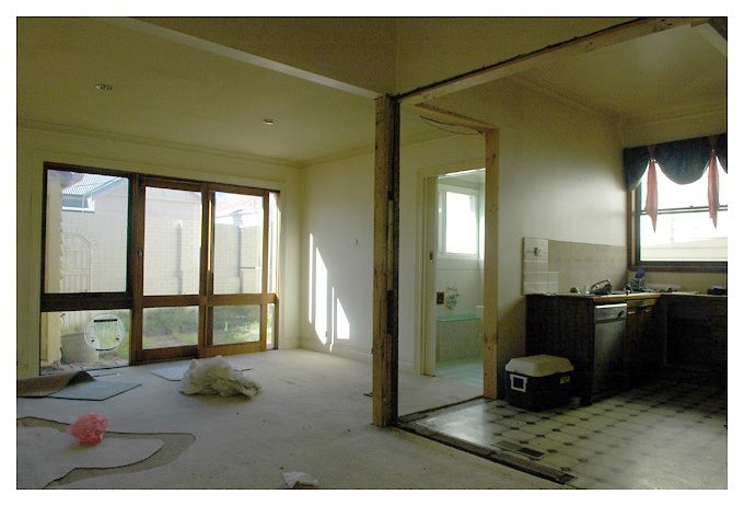 2nd bathroom, kitchen and living