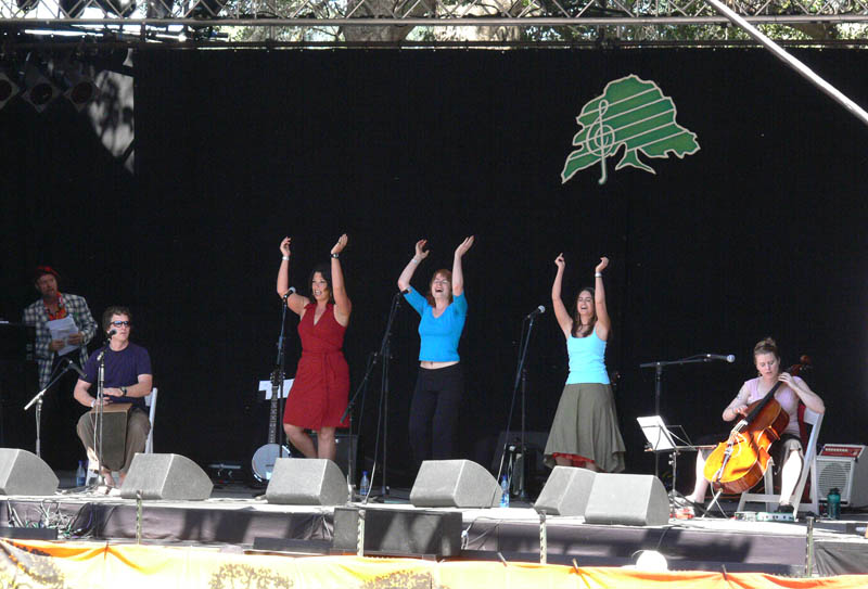 Voco started the main stage on Sunday morning