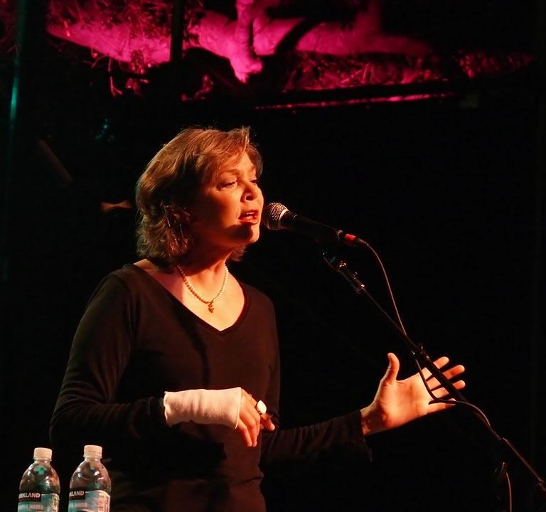 Nanci Griffith sings as Live Oak 2008 comes to a close