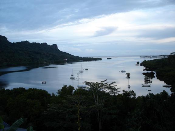 Kolonia Harbor