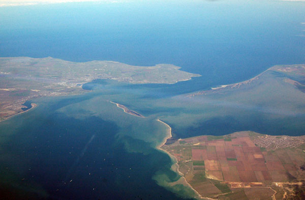 Kercheriskiy Proliv waterway separating the Black Sea from the Sea of Azov, Crimea left, Krasnodar Russia right
