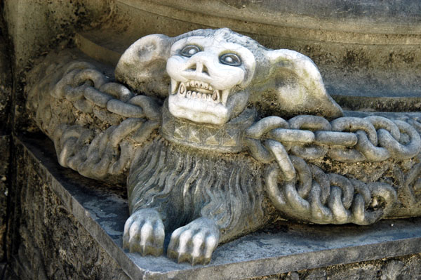 Gargoyles in the cloister of Sé Catedral