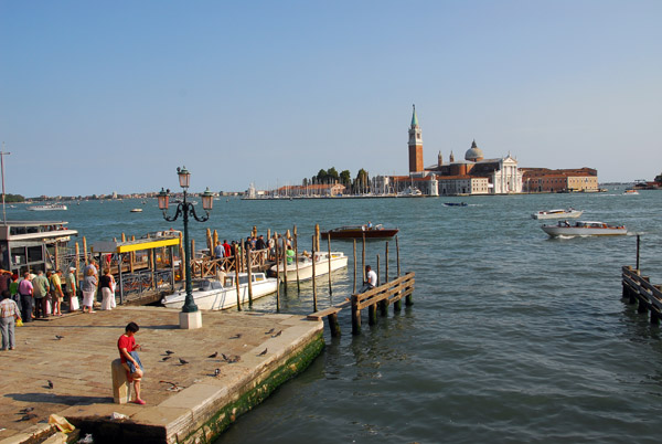 Boat dock at the Molo adjacent to Piazzetto San Marco