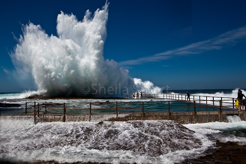 Heavy seas at North Curl Curl
