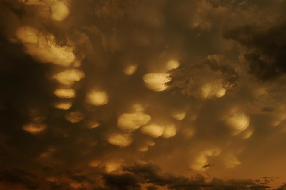Mammatus Cloudscape