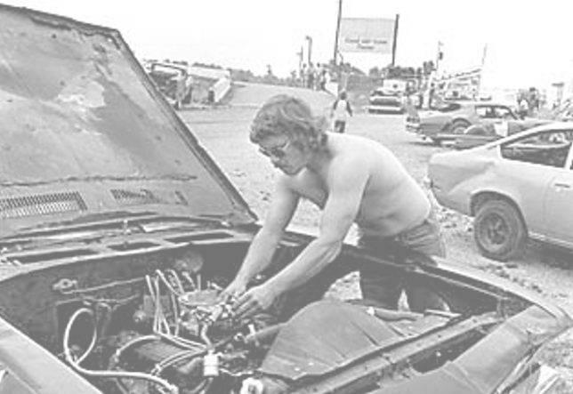 Tony Formosa Racing. Ready to Race 1975 @ The Rim