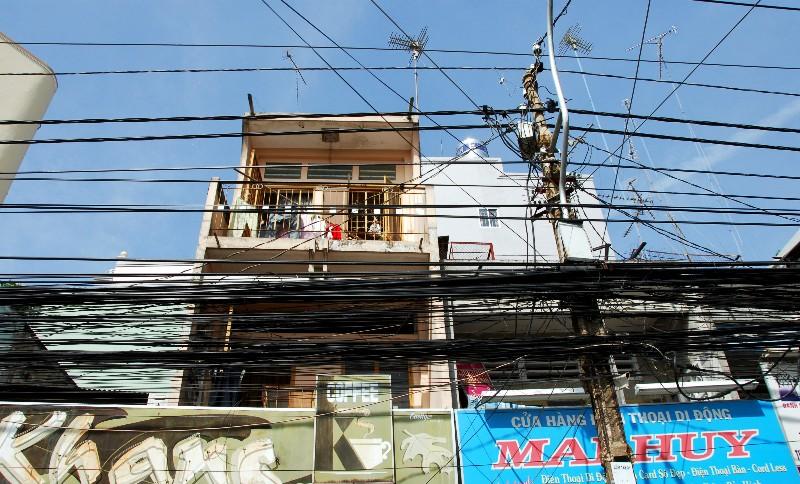 Khang Coffee and Electrical nightmare, Saigon, VN