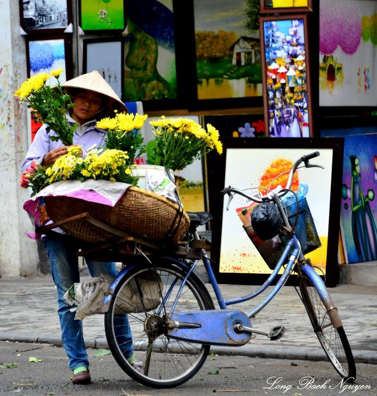 flower girl, Hanoi Vietnam
