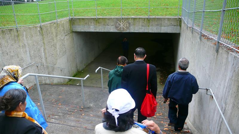 Go down to the underground church P1020625.jpg