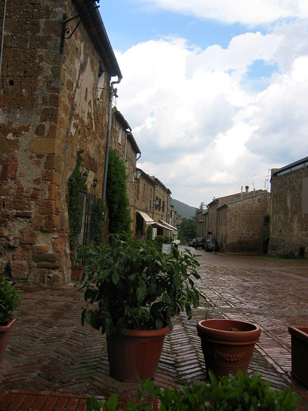 Sovana, from my cafe seat, during drizzle.