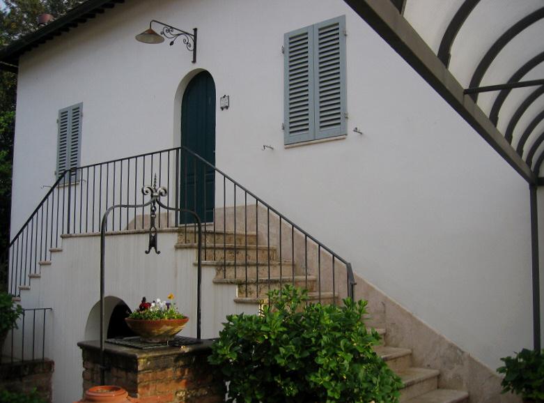 Arrival at <a href=http://www.borgogrondaie.com/ target=_blank><u>Siena lodgings</u></a>!