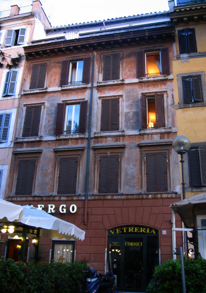 We stayed at <a href=http://www.albergoromano.it/en/index.htm target=_blank>Hotel  Romano</a> -  Albergo Romano,  shown here.