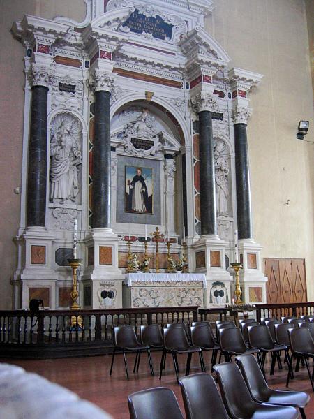 First church we saw - <a href=http://tinyurl.com/y9kpsl target=_blank>San Domenicos</a>