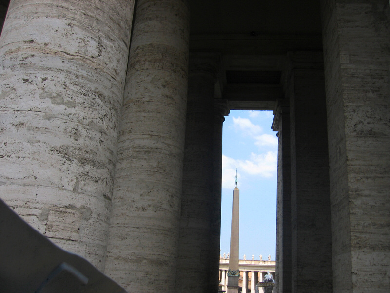 Going around St. Peters - columns are bigger than they look from afar