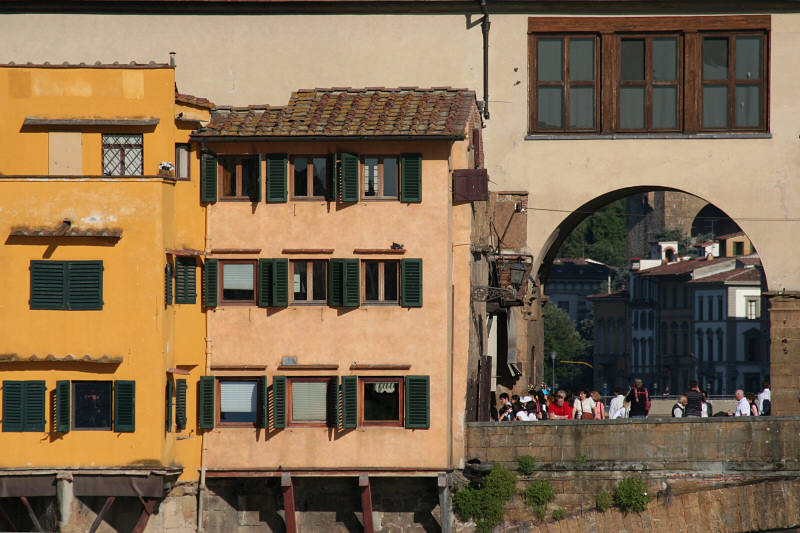Buildings on other side of Ponte Vecchio